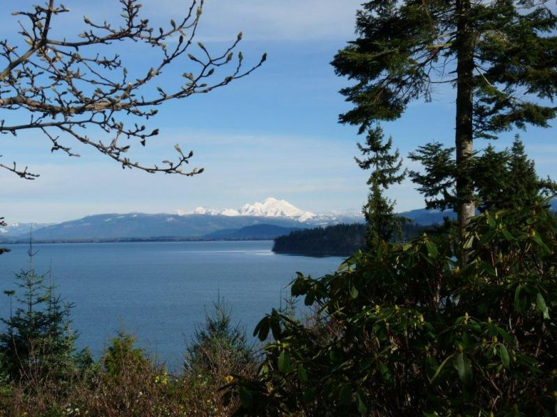 Beautiful Puget Sound.42154129 std